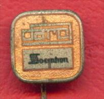 F2315 /  DARO SOEMHON - FILM Distribution - Trademarks -   - Badge Pin - Cinema