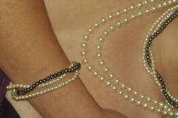 COLLIERS Et BRACELET  Lot Assorti  Fausses PERLES De NACRE - Necklaces/Chains