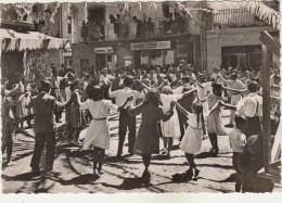 LES ESCALDES-Dansant La Sardana Animé - Andorra