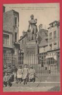 CONDE Sur NOIREAU - Statue Du Contre Amiral Dumont D'Urville Né à Condé En 1790, Mort En 1842. (Belle Animation) - France