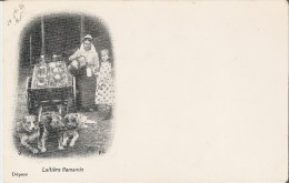 ATTELAGE DE CHIENS : PAYSANNE BELGE VENDANT DU LAIT A UNE PETITE FILLE. CPA Précurseurs (1899). - Paesani
