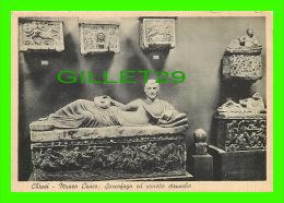 CHIUSI, ITALIE - MUSEO CIVICO - SARCOFAGO ED URNETTE ETRUSCHE - SALUTI DA CHIUSI - EDIZ. MORETTI UMBERTO - - Siena