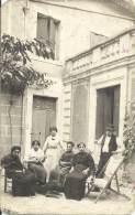 Carte Photo - Petite Pause Musicale En Famille - Grupo De Niños Y Familias