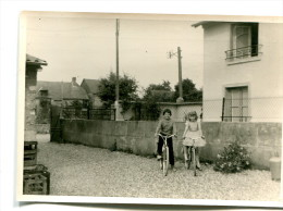 Photo 12,5 X 9 : Cyclistes - Personnes Anonymes
