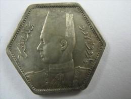 EGYPT 2  PIASTRES 1944 SILVER . - Egypte