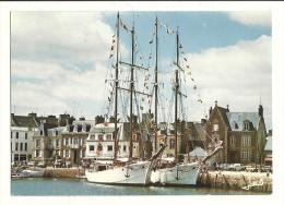 """Cp, 22, Paimpol, Les Navires Ecole """"Etoile"""" Et """"Belle Poule"""" Dans Le Bassin, écrite - Paimpol"""