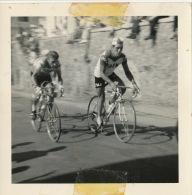 Criterium Chateau Chinon Nievre Julien Stevens Faema Et Jacques Anquetil Bic  3 Photos Originales - Wielrennen