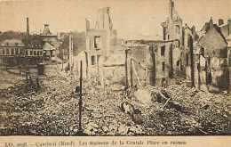 Nord -  A268- Cambrai - Les Maisons De La Grande Place En Ruines  - Carte Bon état - - Cambrai