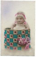 Bébé Dans Boite Cadeau/   Vers 1920    CPDIV175 - Humorkaarten