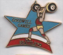 Superbe Pin´s En EGF , Jeux , Goodwill Games , Seattle 90 , Haltérophilie , Haltéres - Haltérophilie
