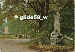 LILLE - Vue Sur Le Square Foch (animée) - N° 301 LI 385 - Lille