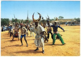 TOGO - POKTI MOBA WAR DANCE (DAPAONG) / ARCHER / THEMATIC STAMP-FLOWER - Togo
