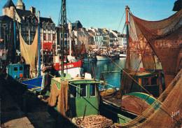 LE CROISIC (La Côte D'Amour, Loire-Atlantique) - Le Port - Bateaux De Pêche Avec Leurs Filets En Train De Sêcher - Le Croisic