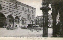 PERUGLA - PIAZZA DEL MUNICIPIO COL FIANCO DEL DUOMO - BARROWS IN SQUARE - PRINTED - UMBRIA - ITALY - Perugia