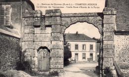 Cpa  28  Environ De Chartres , Champhol-mihoue , Le Chateau Des Vauventriers, Entree De La Ferme - France