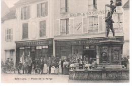CPA SAINT LEU PLACE DE LA FORGE ANIMATION MONUMENT CAFE NOUVEAUTES COMMERCES - Saint Leu La Foret