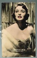 "Photo Carte - Femme Célèbre ""Patricia Neal - Warner Bros"" !!! Pli !!! - Femmes Célèbres"