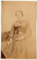 CHROMO, Photographie : Femme - Vieux Papiers