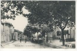 83- BAGNOLS-EN-FORET-LA  GRANDE  PLACE  N2238 - Sonstige Gemeinden