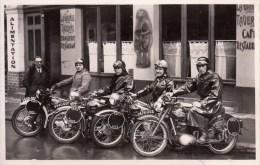 71 - Macon : L´Equipe De L´Amicale Motocycliste Maconnaise - Paris - Nice 1950 - Restaurant - CPM Au Format 9 X 14 Neuve - Macon