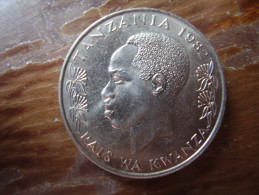 TANZANIA 1982 ONE SHILLING NYERERE Copper-Nickel  UNCIRCULATED COIN. - Tanzania
