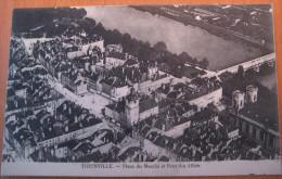 CPA Thionville Place Du Marché Et Pont Des Alliés - Thionville