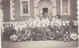 MILITARIA 14/18 - Carte Photo D´un Exterieur  D´Hopital (Poilus Blessés Et Infirmiéres   Croix Rouge ) -Lot 3 - Guerre 1914-18