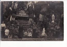 Carte Photo à Situer Vers 1905 COSSE LE VIVIEN ??  MAYENNE ? / Fête Dieu Dans La Roche - Altri Comuni