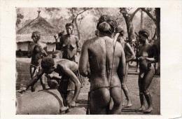 Franz.Äquatorial Afrika - Halbnackte Eingeborene - Karte Um 1920 Verlag R.Regue Paris - Äquatorial-Guinea