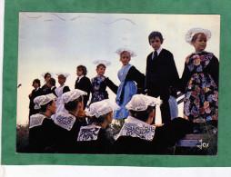 Fête De L´été En Bretagne La Danse Des Enfants - Costumes  Coiffes - Carte Envoyée De Vannes - à Identifier - Bretagne