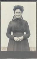 Photo de Femme �g�e/en toilette de deuil/Photographe anonyme/  Vers 1890-1900   PH205