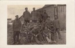 Photocarte Allemande-Groupe Soldats Allemands Fumant La Pipe Pose Photo 1914(guerre14-18)2sc Ans - War 1914-18