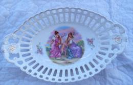 Corbeille Ajourée En Porcelaine Longueur 31.5 Cm - Ceramics & Pottery