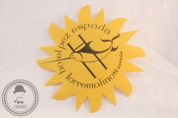 Hotel  Pez Espada, Torremolinos - Spain - Original Vintage Luggage Hotel Label - Sticker - Etiquettes D'hotels