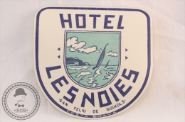 Hotel Lesnoies, Costa Brava - Spain - Original Vintage Luggage Hotel Label - Sticker - Etiketten Van Hotels
