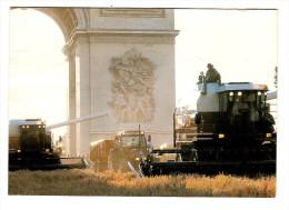 75 . PARIS - La Grande Moisson Du 24 Juin 1990 . Matériel Agricole - Des Moissonneuses Batteuses Sous L'Arc De Triomphe - Expositions