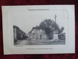 SDV4-32- SOUVENIR DE FLEURANCE - RUE GAMBETTA VUE PRISE DE L'AVENUE D'AUCH - Fleurance