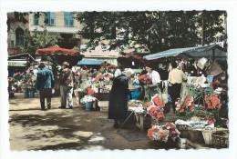 Grasse - La Place Aux Aires Et Le Marché Aux Fleurs - CPSM Petit Format - Grasse