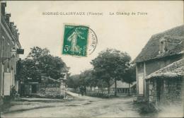 86 SCORBE CLAIRVAUX / Le Champ De Foire / - Scorbe Clairvaux