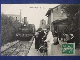 LANGRUNE La Gare  (coté Quai - Locomotive - Voyageurs ) - France