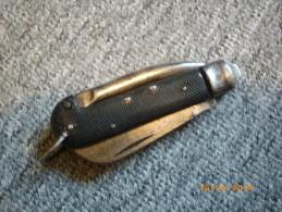 Couteau Utilisé Par La Marine Anglaise, Dernière Guerre. - Knives/Swords