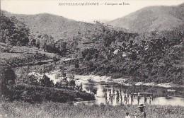 Océanie - Nouvelle Calédonie / Baignade Tribu Canaque - New Caledonia