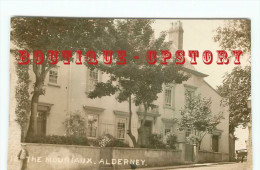 THE MOURIAUX ALDERNEY < REAL PHOTOGRAPH POSTCARD < CARTE PHOTO < DOS SCANNE - Alderney