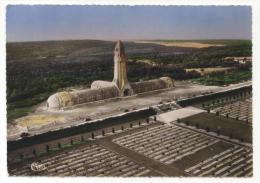 Verdun. Vue Aérienne. Ossuaire Et Cimetière De Douaumont. En Arrière Plan, La Tranchée Des Baïonnettes. Cachet: 1958. - Verdun