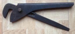 Outil Ancien De Plomberie De 31 Cm De Long - Rare - Non Classés