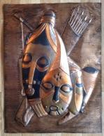 Plaque De Cuivre Vernis Représentant 3 Masques En Relief Format 40x53,5 - Rare - Art Africain
