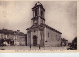 Soulaines-sur-Aubance.. Animée.. Belle Vue De L'Eglise.. La Place - Altri Comuni