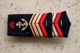 2 Fourreaux D´Epaule  N°:18 - Uniforms