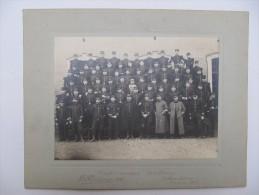 Photographie Militaire Contrecollée Sur Carton Fort - Groupe Du 130° RI, Paris - Guerre, Militaire