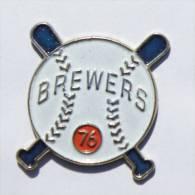 Pin's BREWERS 76 - Balle Et Battes De Base Ball - Unocal 2  - D602 - Baseball